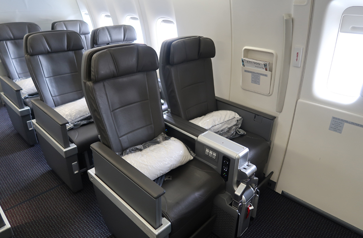 Review: American Airlines 777-300ER Premium Economy (Daytime