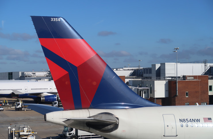 Delta Extends Sky Club Memberships & Benefits For Amex Credit Card Holders